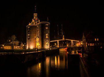 Drommedaris Enkhuizen  by night van Evelien van der Horst