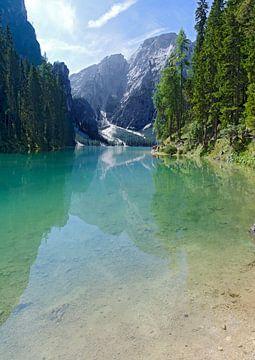 Braies Wild Lake van Leopold Brix