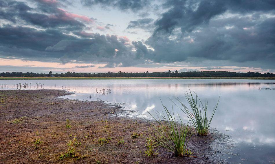 Wolkenlucht bij natuurgebied Marumerlage van Martijn van Dellen