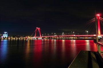 Willemsbrug en Witte Huis in de nacht van Capture the Moment 010