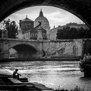 Onder de brug, Rome, Italië van Bertil van Beek