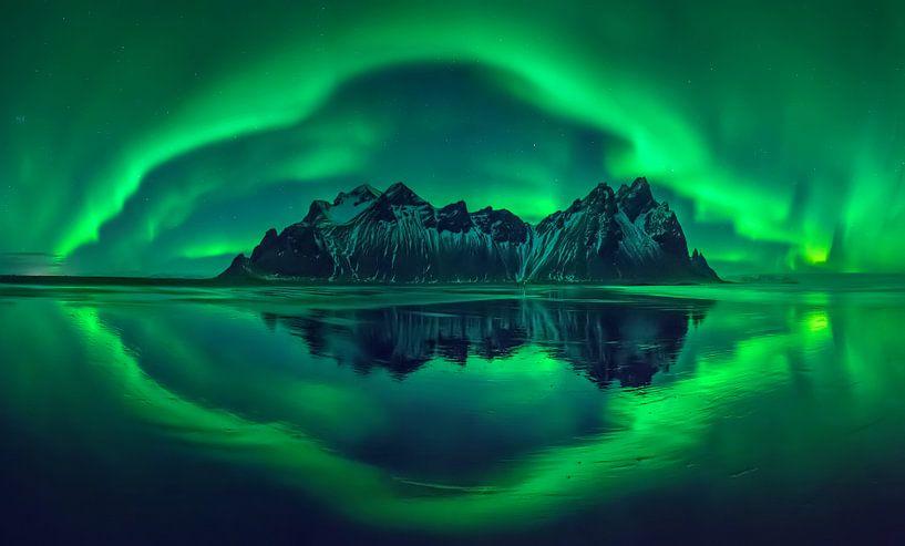 Vestrahorn aurora van Wojciech Kruczynski