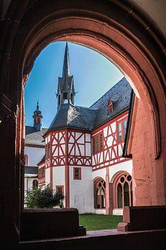 Kreuzgang im Kloster Eberbach bei Kiedrich van Christian Müringer