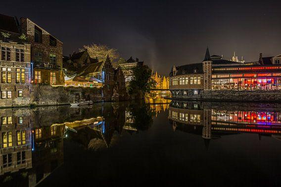Reflectie van de Oude Vismijn in de Leie in Gent van MS Fotografie