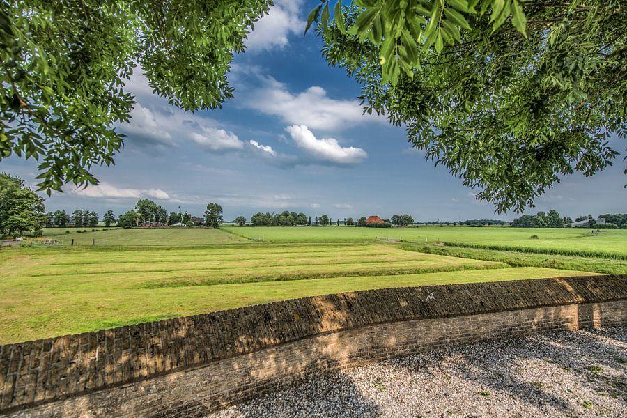 Uitzicht op het Friese grasland nabij Tsjerkebuorren
