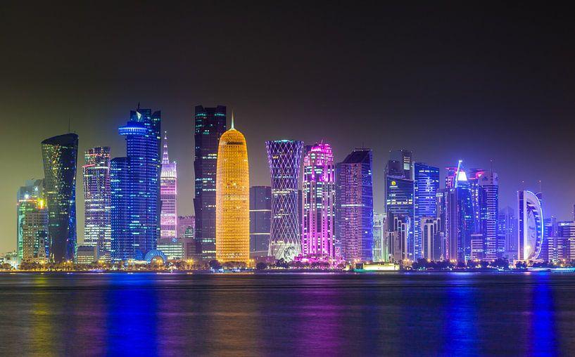 Skyline of Doha, Qatar van Jan Schuler