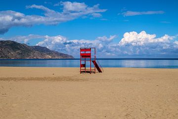 Roter Strandwächterturm von Emel Malms