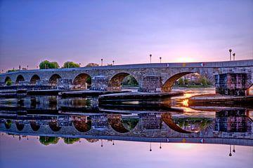 Stenen brug Regensburg vroeg in de ochtend van Roith Fotografie