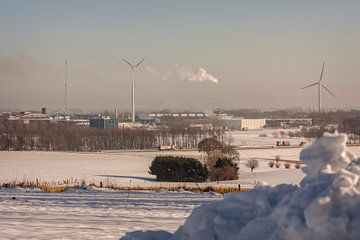 Uitzicht op de Beitel in de sneeuw bij Simpelveld