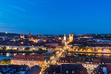 Würzburg in Franken bei Nacht von Werner Dieterich