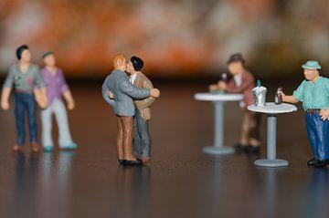 Miniaturen, schwule Männer in einer Bar von J..M de Jong-Jansen