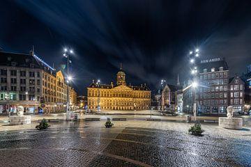 Avondklok in Amsterdam - Monument op de Dam van Renzo Gerritsen