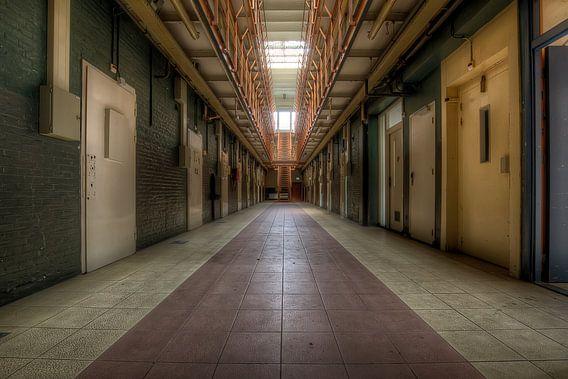 Cellenblok in een verlaten gevangenis