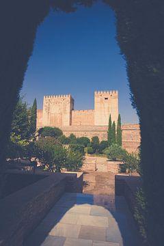 De middeleeuwse torens van het Alhambra van Fotografiecor .nl
