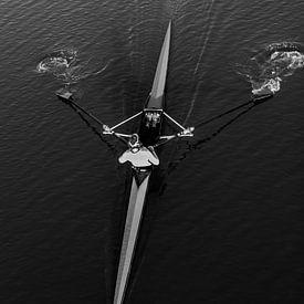 Roeier in kayak van Yoni van Haarlem