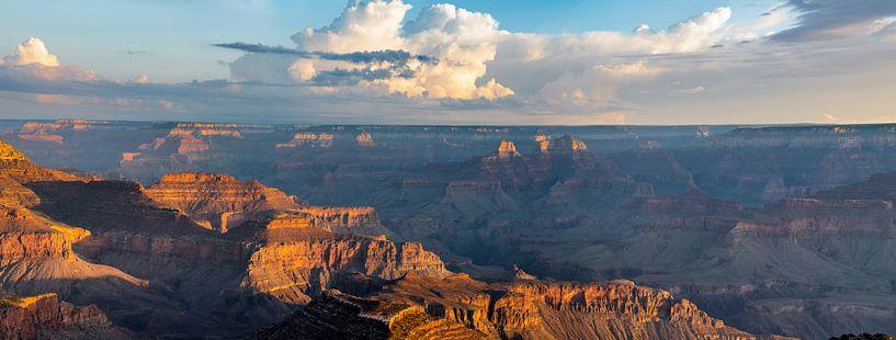 Groot formaat panorama zonsopkomst Grand Canyon van Remco Bosshard