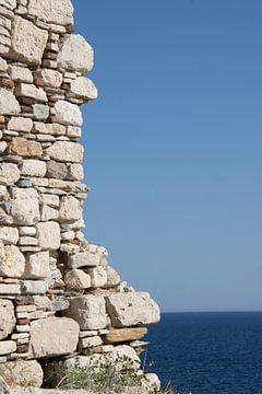 Muur in Griekenland van Monique Giling