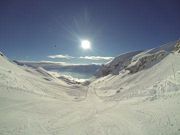 Piste in het skigebied Crans-Montana, Zwitserland van Maartje Abrahams