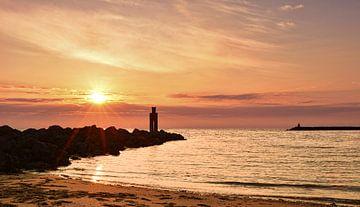 Zonsondergang Noordzee strand Ouddorp van Marjolein van Middelkoop