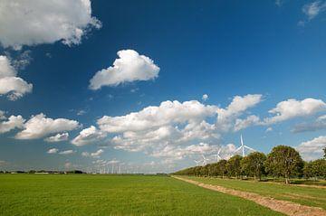 Windmolens in landschap van Ivonne Wierink