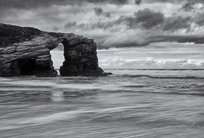 Playa de las Cathedrales Asturië Spanje van Miranda Bos