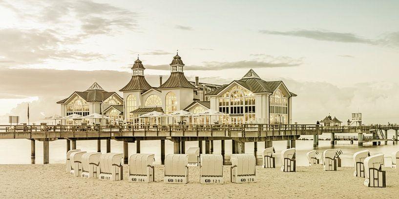 RÜGEN pier in Sellin bij zonsondergang   Vintage Panorama van Melanie Viola