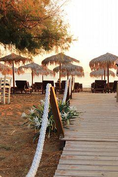 Zum griechischen Strand. Charakteristische griechische Atmosphäre von Bobsphotography