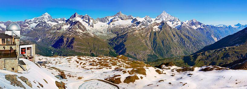 Panorama Alpen met Gornergrat van Anton de Zeeuw