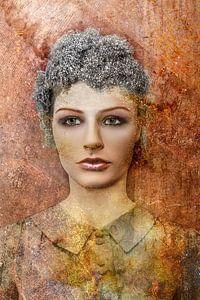 Portret vrouw of etalagepop van Marijke de Leeuw - Gabriëlse