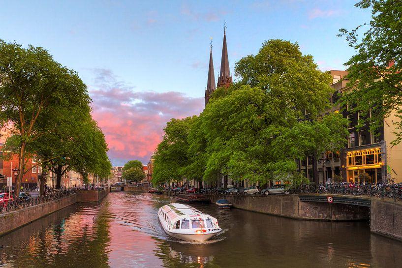 Rondvaartboot Krijtberg Amsterdam van Dennis van de Water