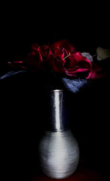 Everyone deserves some flowers. von Ratna Bosch