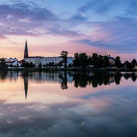 Schwerin Skyline Panorama im Sonnenuntergang von Frank Herrmann