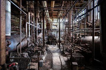 Industrie abandonnée et sombre sur Roman Robroek