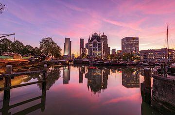 Oude Haven roze schemering, Rotterdam van Gea Gaetani d'Aragona