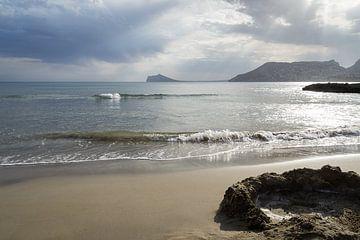 Wolken, licht en uitzicht op de Middellandse Zee van Montepuro