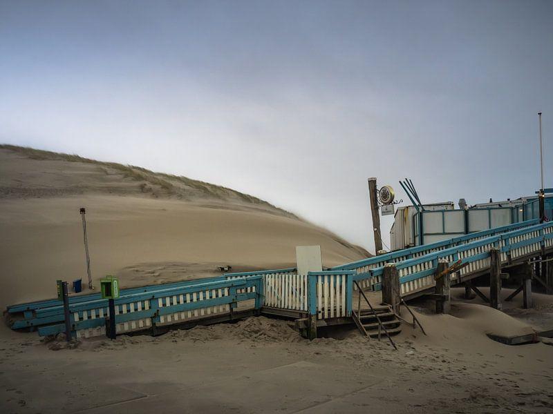 Op het strand bij Callantsoog van Martijn Tilroe