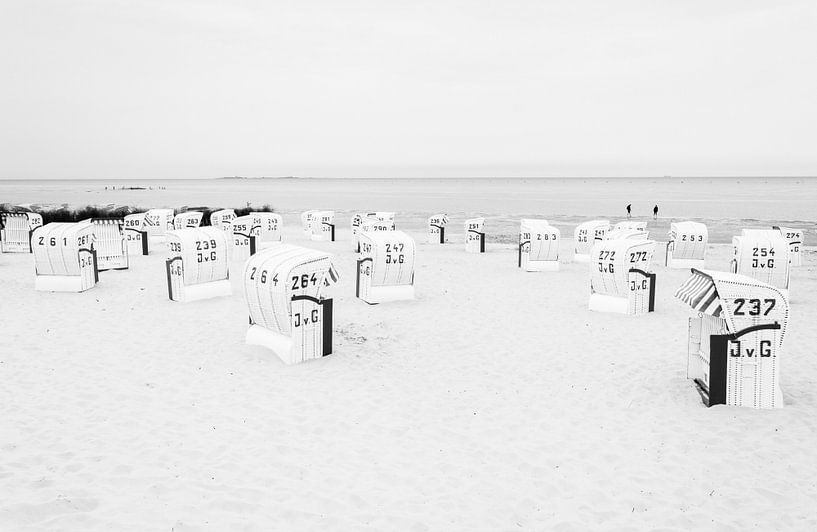 Strandhuisjes in Cuxhaven van Marian Sintemaartensdijk