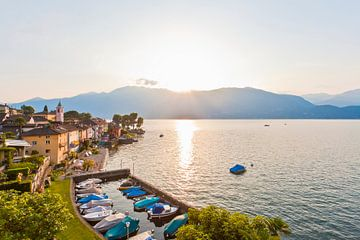 Gerra am Lago Maggiore in der Schweiz von Werner Dieterich