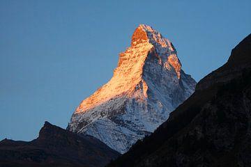 Zermatt : Lever du soleil sur le Cervin sur Torsten Krüger