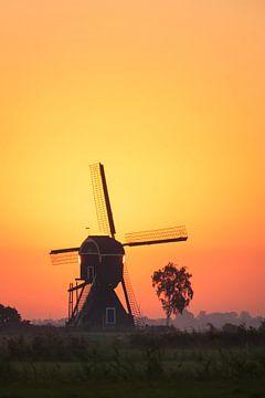 zonsopkomst bij de molen von Bart Hardorff