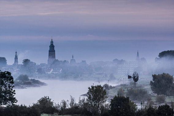 Zutphen ontwaakt  uit de mist