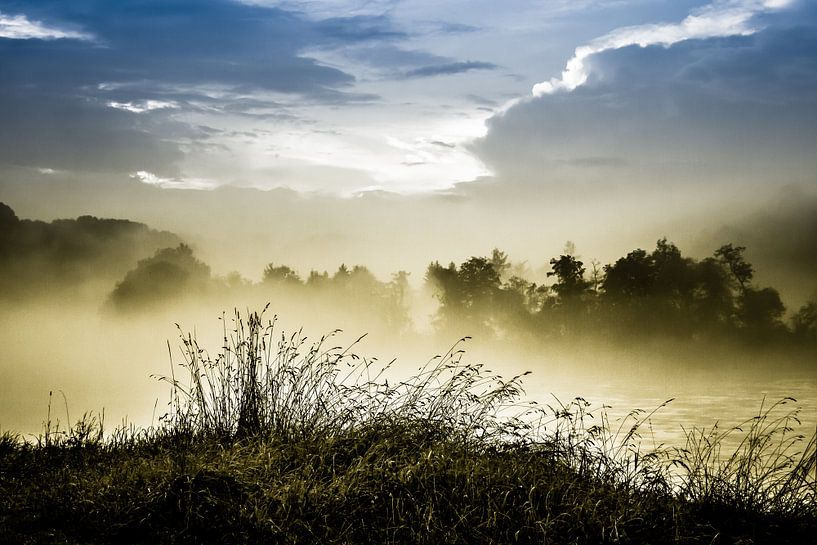 Nebel am Fluß von Holger Debek