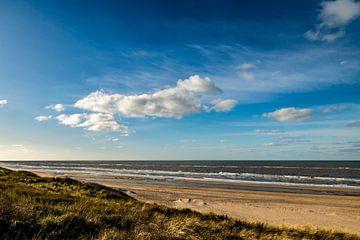 Strand aan de Noordwijkse kustlijn van Linsey Aandewiel-Marijnen