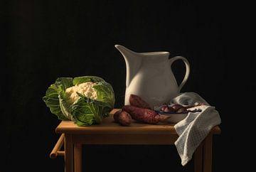 Stilleven keukentafel van Monique van Velzen