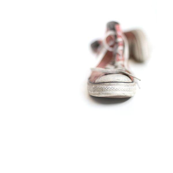 Walking barefoot into the big bad world.... van Bob Daalder