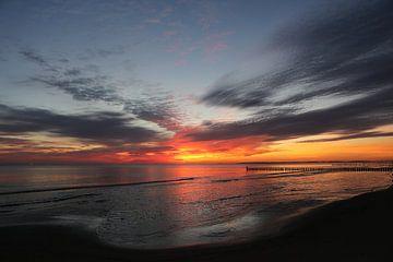 Lever de soleil sur la mer Baltique sur Karina Baumgart