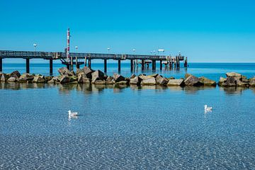 Seebrücke an der Ostseeküste in Wustrow von Rico Ködder
