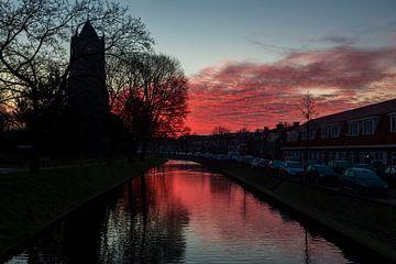 Ochtend-rood boven Tiel van Wijco van Zoelen