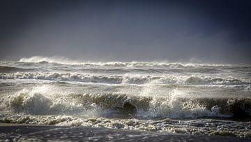 Golven in zee van Dirk van Egmond