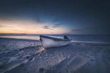Kutter am Strand von Skyze Photography by André Stein